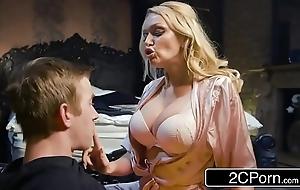 Shafting his buddy's sexy ma amber jayne