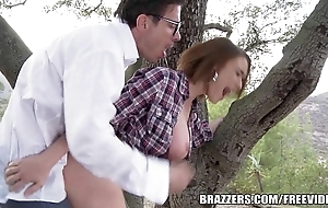 Brazzers - dispirited hitchhiker krissy lynn acquires pounded