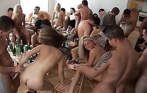 Girls, hit the bottle with the addition of divertissement homeparty