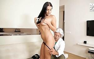 Porno mexicano, profesor a punto de cogerse colegiala deliciosa