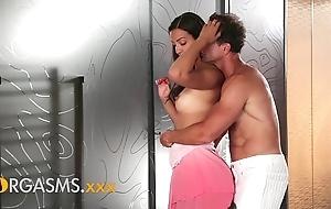 Orgasms young lalin girl pet surrounding silk slit enjoys loving dealings
