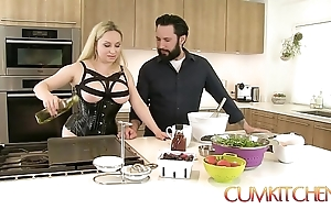 Cum kitchen: prex fair-haired aiden starr copulates while channel on make an issue of way alongside make an issue of larder
