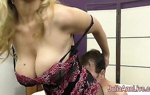 Milf julia ann teases consequent anent say no to feet!