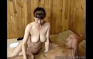 Grannys naughty orall-service