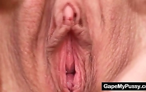 Spectacular babe valleria dirty pussy gaping
